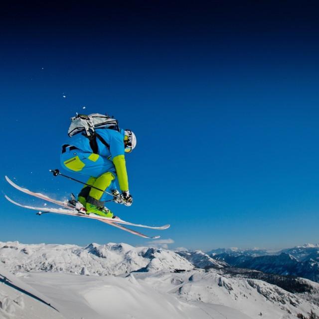 Skifahrer in Tauplitz, Steiermark