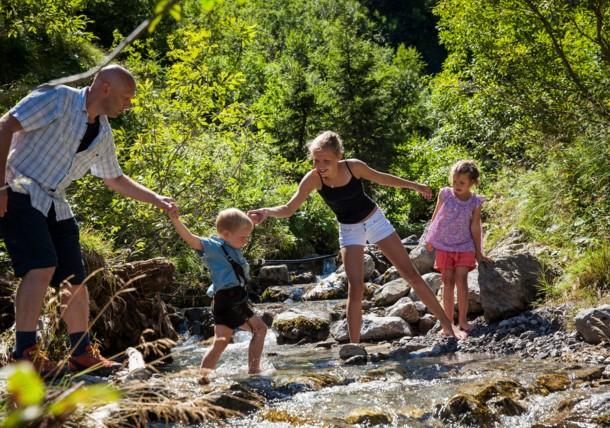 Famille dans la nature, Brandnertal