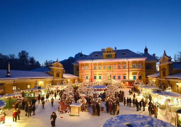 Magical christmas time in Hellbrunn