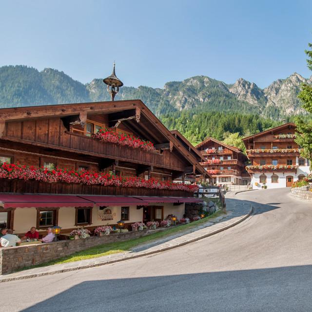 Alpbach Dorfzentrum im Sommer