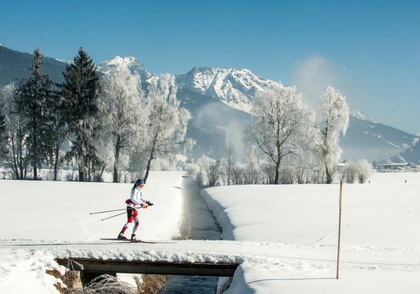 S běžkami skrz zasněžený Altenmarkt-Zauchensee