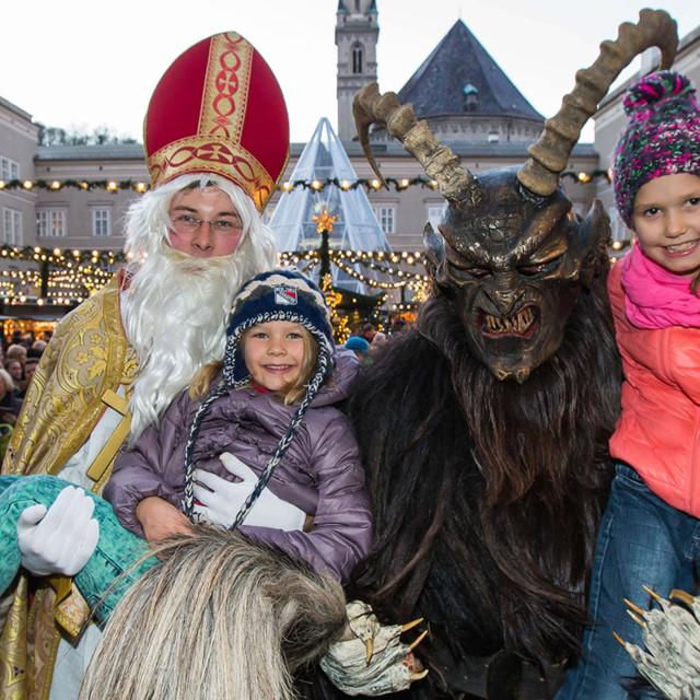 Nicolaus und Krampus am Salzburger Christkindlmarkt