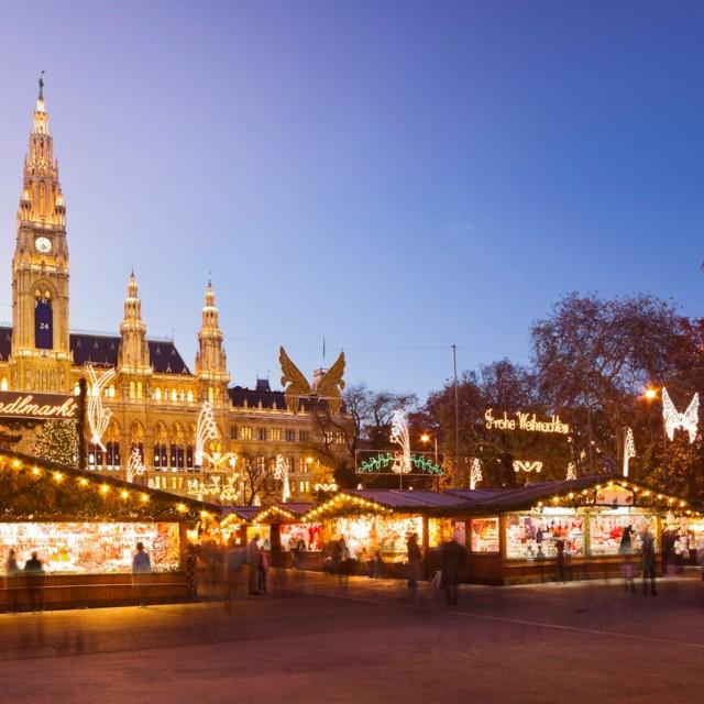 Weihnachtsmarkt am Wiener Rathausplatz