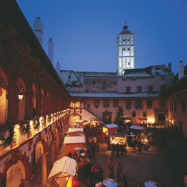 Weihnachtsmarkt in der Schallaburg bei Melk.