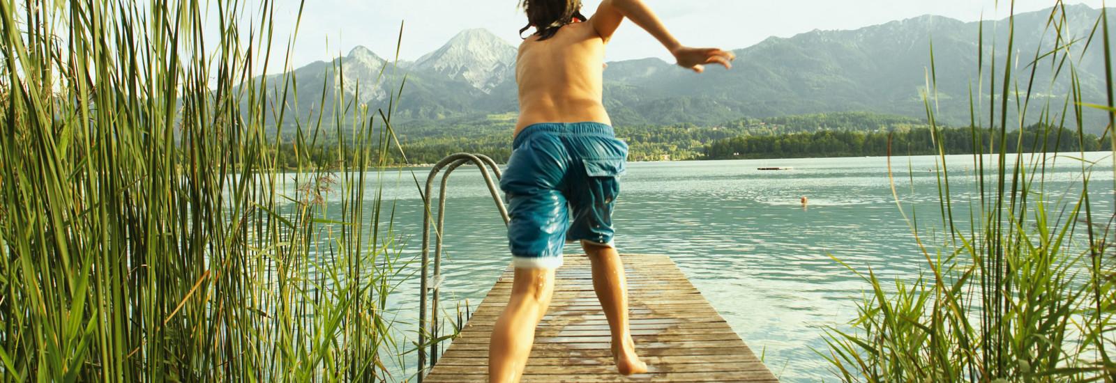 Ein Steg am Faakersee in Kärnten