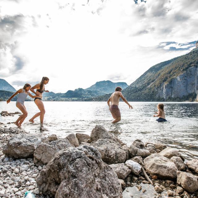 Familie am Altausseer See