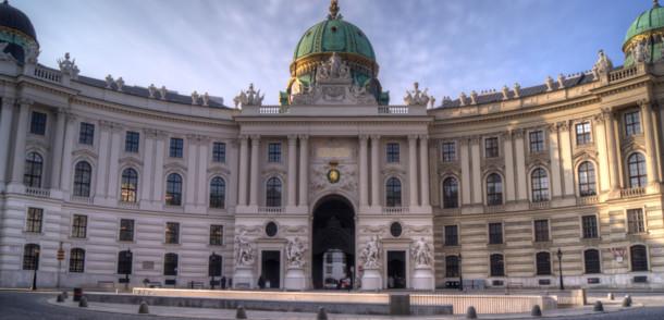 Wiener Hofburg zum Michaelerplatz