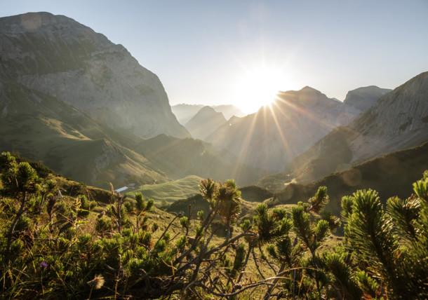 Karwendelmarsch Strecke: Blick vom Binssattel vor Gramai Hochleger