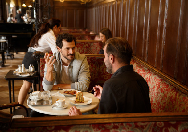 The viennese Kaffeehaus Café Sperl offers exquisite service since 1880